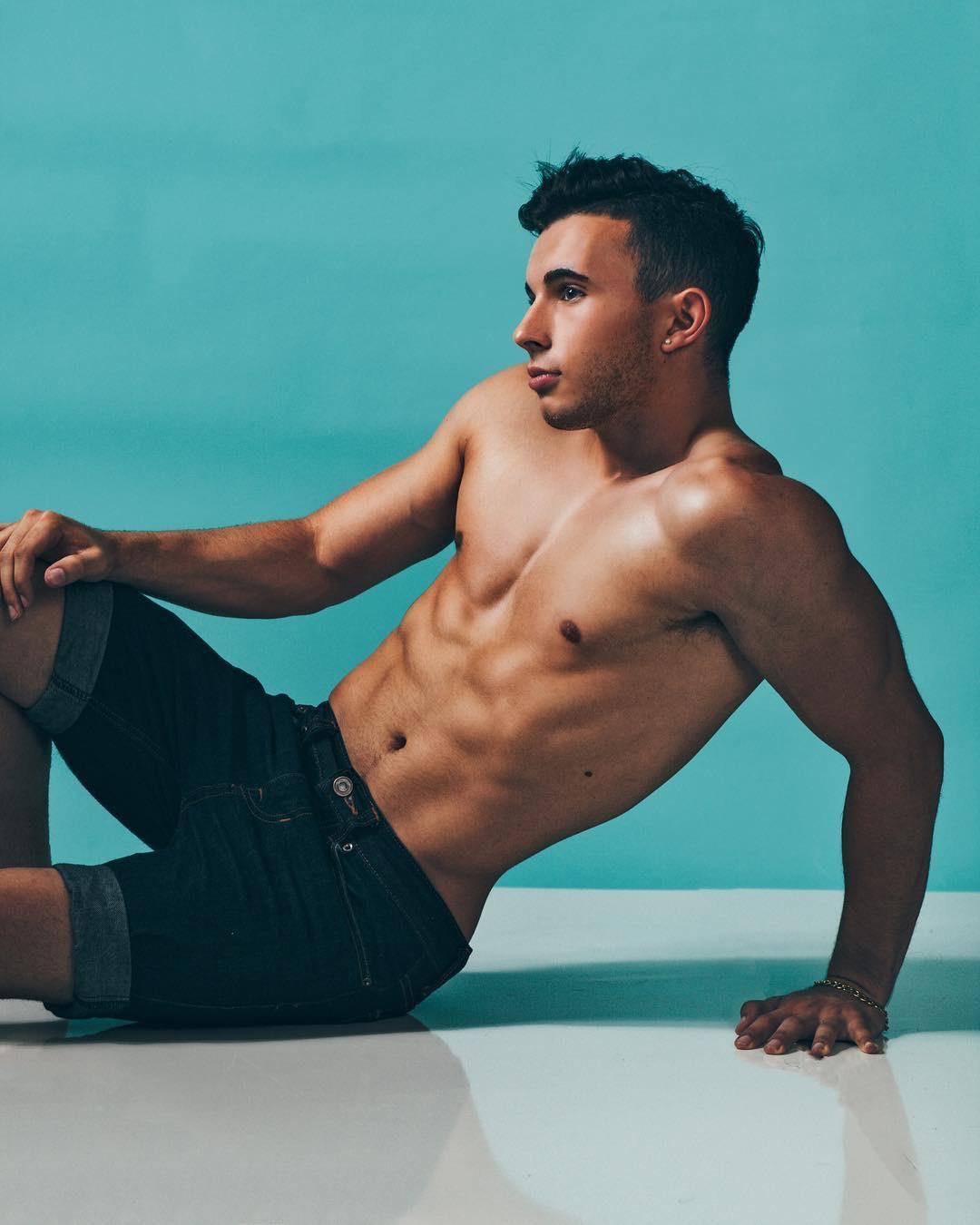 Anthony Stefanelli Gay LA Gymnast Influencer 3