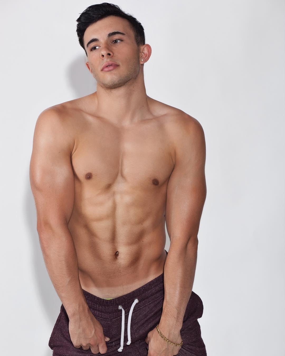 Anthony Stefanelli Gay LA Gymnast Influencer 4