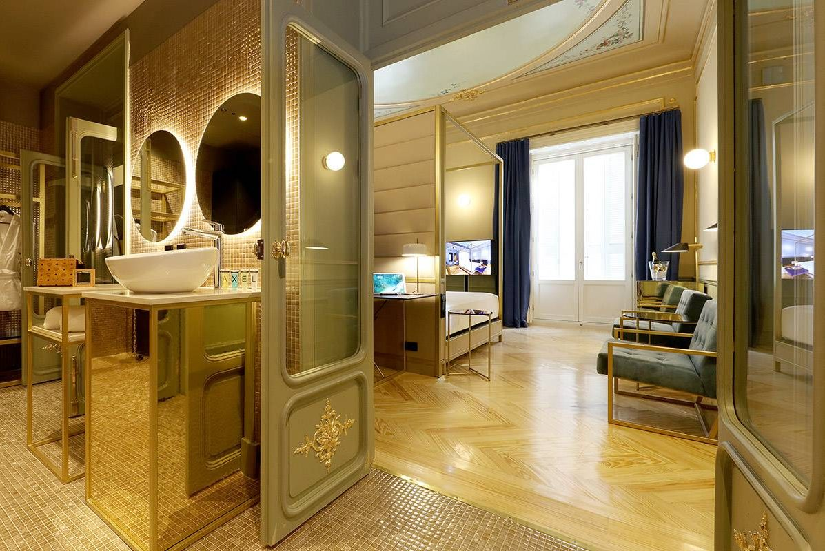 Axel Hotel Madrid Premiere Exterior Gold Deluxe Suite with bubble bath jacuzzi hot tub