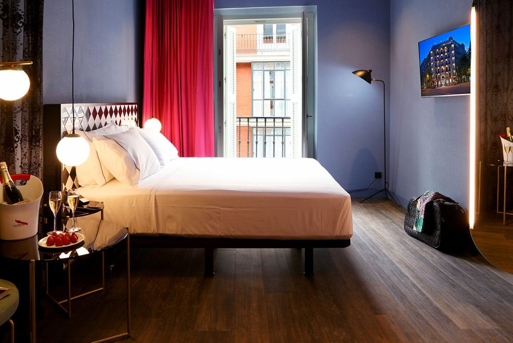 Axel Hotel Madrid Superior Interior City Room with Queen size or Twin bed